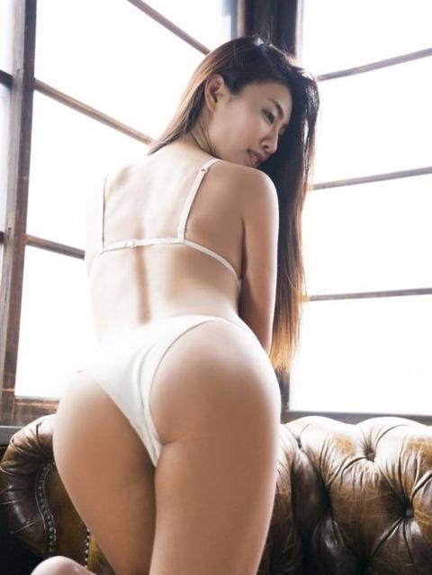 megu_a_108-500x666