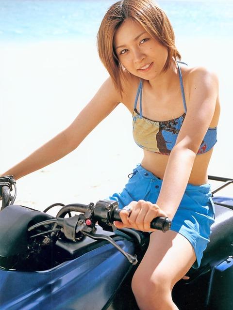yosizawa-hitomi006up