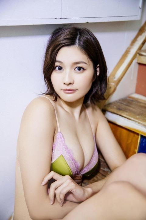 hayashi_004-666x1000