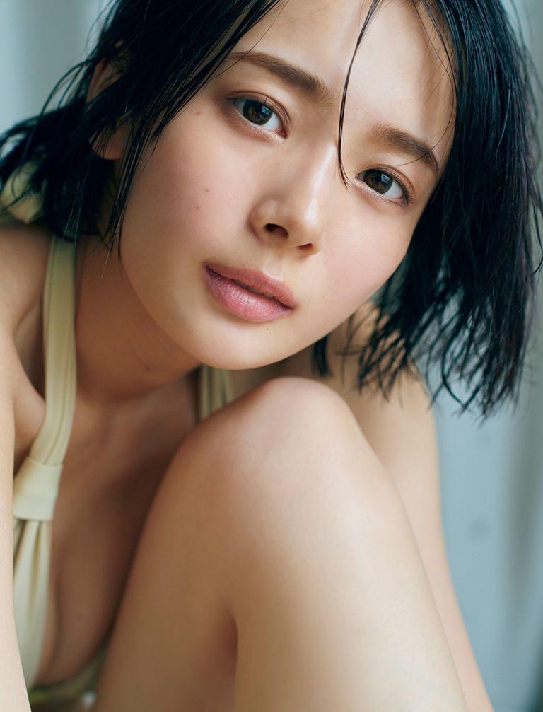 okada-sayaka-friday-03