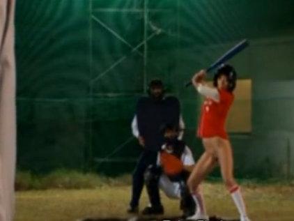 下半身全裸で野球の試合するAV女優チームw成瀬心美 つぼみ