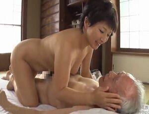 義父に抱かれる悦びに愛液が止まらない!四十路嫁の感じまくり性愛交尾!