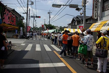 12:51 埼玉新聞ブースの列