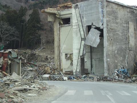 宮城県女川震災被害画像(11年4月3日)07