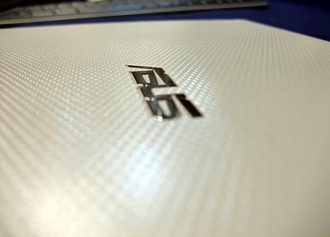 eee slate EP121 本体裏側表面