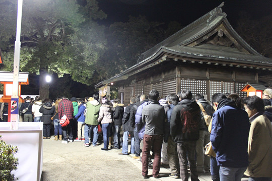 午前3時の鷲宮神社参拝の様子