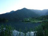 奥日光景観。この池の畔で小学校のときマイムマイム