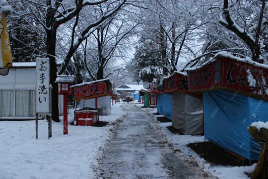 大雪の日の鷲宮神社