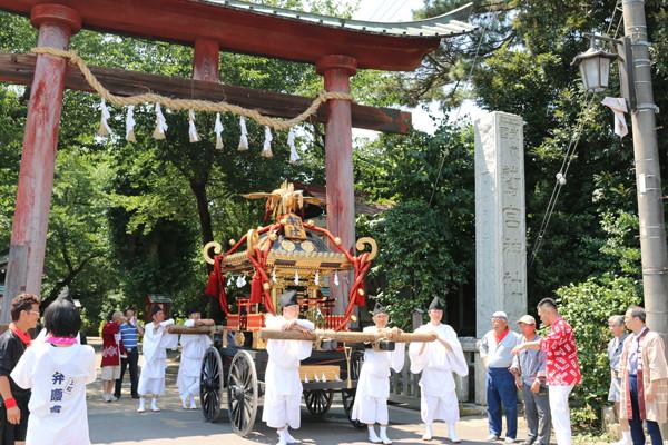 鷲宮八坂祭天王様2015-4