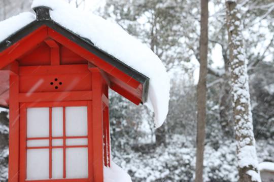 雪の鷲宮神社 灯篭