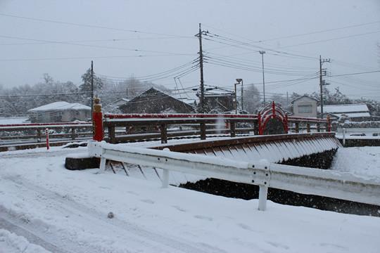 大雪の日の宮前橋