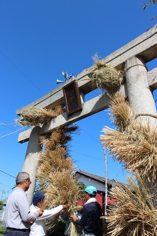 大輪神社の秋季祭「ワラの大蛇」10