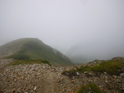 杓子岳への稜線
