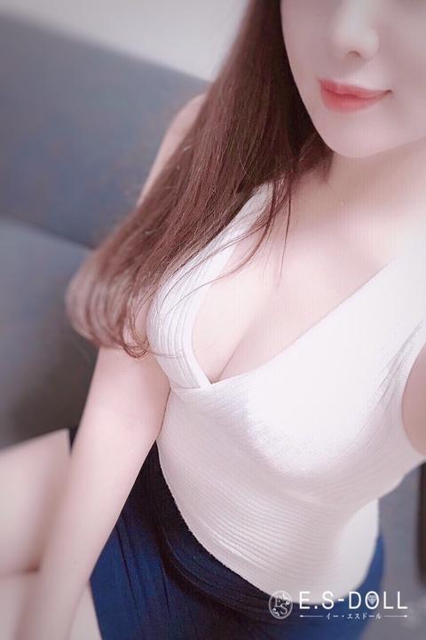 63AE1797-5F69-4A40-9DDA-3E60033F49AE