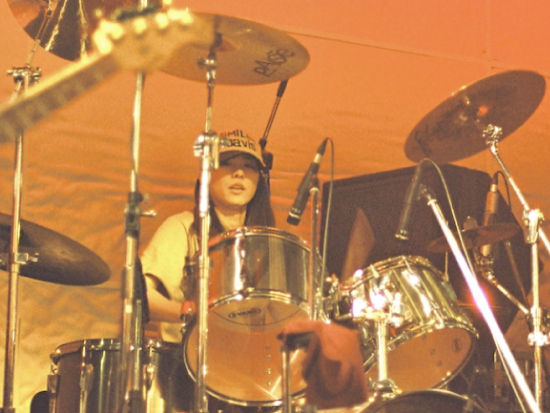 esola-Live-at-081009--25s