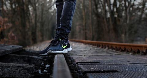 shoes-4012135_1280
