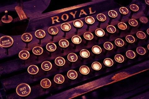typewriter-1170657_1280 (1)