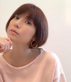hitomi、三人を育てる心情吐露で批判殺到「子供への愛情が感じられない」