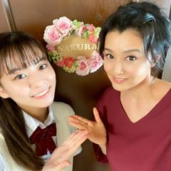 藤原紀香、ドラマの母娘ショットを公開で大反響「姉妹みたい」「肌が18歳と…」