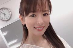 皆藤愛子、色鮮やかな紅葉とさわやか笑顔にファン悶絶「紅葉に負けない美しさ」