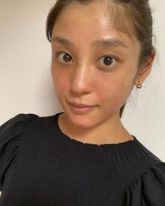 話題作りに必死すぎ?  岡副麻希、「整形レベル」のガチすっぴんに女性たちから辛らつ意見