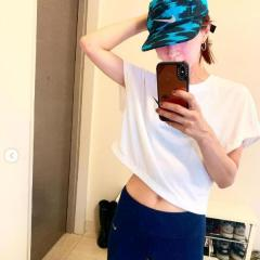 安田美沙子、産後でべそショットに大反響「細いなぁ」「本当あざとい」