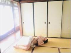 森咲智美 上半身ヌードで片手は秘所に…告知ショットに男性ファン興奮
