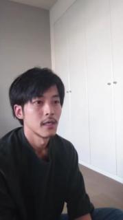 松坂桃李、公式YouTubeに登場した姿に反響「ヒゲと寝癖」「寝癖姿が愛おしい!」