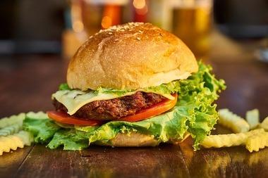 burger-3199088_640