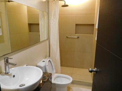 blog-image-Iloilo-GT-Hotel-shower