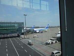 羽田空港ANAマニラ便