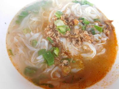 Laos-market-noodle