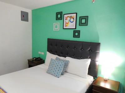 Angeles-950Condotel-room (2)