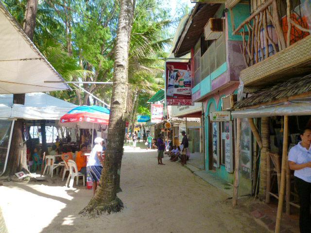 家庭のアイデア ホテルビュッフェ ランキング ランチ : ボラカイ島からの楽しい ...