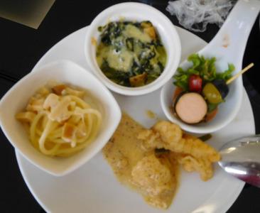 blog-image-Bangkok-Don Mueang-Airport-lounge-Coral-food