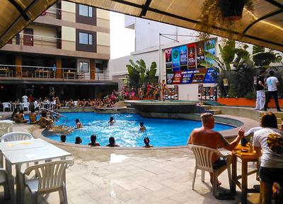 blog-image-angeles-pool-party-scorebirds