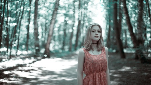 girl-in-the-woods-1968489_1280