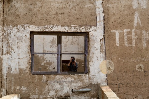 window-2898044_1280