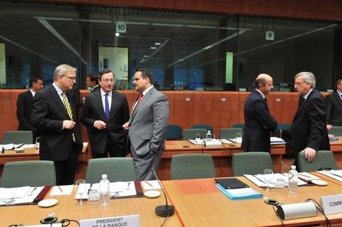 ユーロ圏財務相会合11