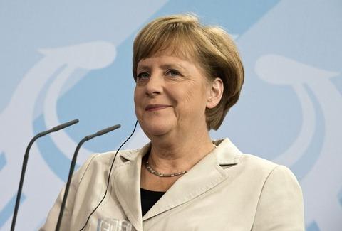 メルケル首相25