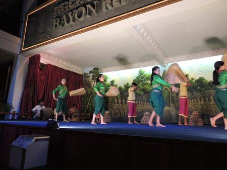 アプサラ舞踊