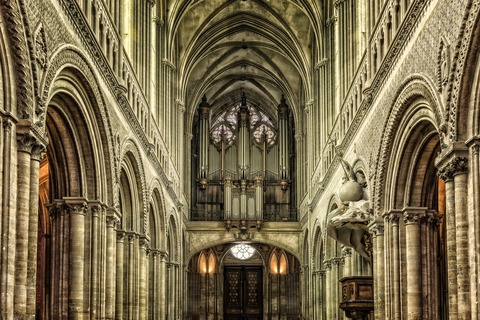 cathedral-3259571_1280 (1)