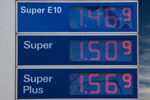 gasoline-prices-206098_1280 (1)