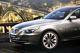 BMW 2009 卓上カレンダー CANON EF-S60mm F2.8 USM (絞りf/2.8 露出1/30 ISO800)