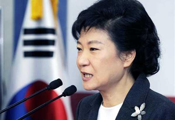【韓国】朴槿恵大統領を裏で操っていたチェ・スンシルを緊急逮捕へのサムネイル画像