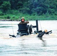 【韓国軍】 「水に浮く装甲車」沈没 ←New 「未来型小銃」不良率5割 「最新鋭高速艦」直進できずのサムネイル画像