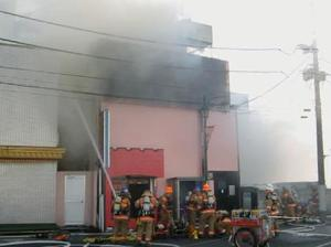 【速報】JR大宮駅前の風俗店で火災、14人搬送・4人重体へ・・・のサムネイル画像