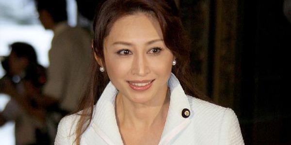 三原じゅん子氏52歳が28歳の男(公設秘書)と結婚wwwwwwwwwwwwのサムネイル画像