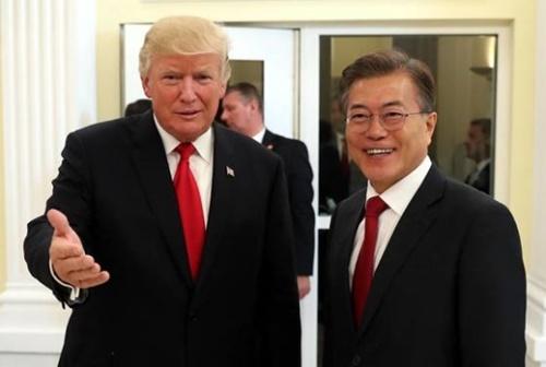 「ハハハ」韓国外相、訪問直前にトランプ氏を嘲笑wwwwwwwのサムネイル画像
