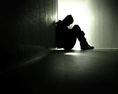 【悲報】「孤独」は毎日タバコを15本吸うのと同じリスクらしいwwwwwwwwwwwwwwwのサムネイル画像